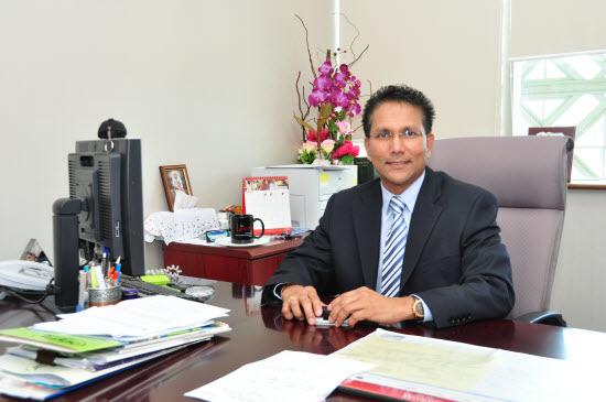 马来西亚科技大学校长